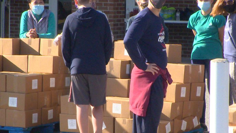 Second Harvest holds distribution at Four Oaks Community Church