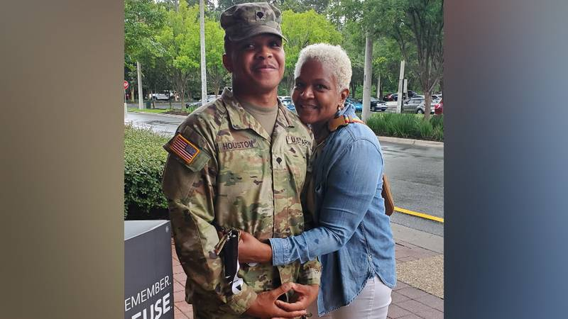 A video of Army Specialist Ethan Houston surprising his mother at a Tallahassee Publix has gone...