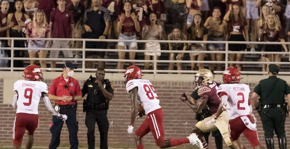 Damond Philyaw-Johnson scores on the final play of the game to seal JSU's upset win over FSU