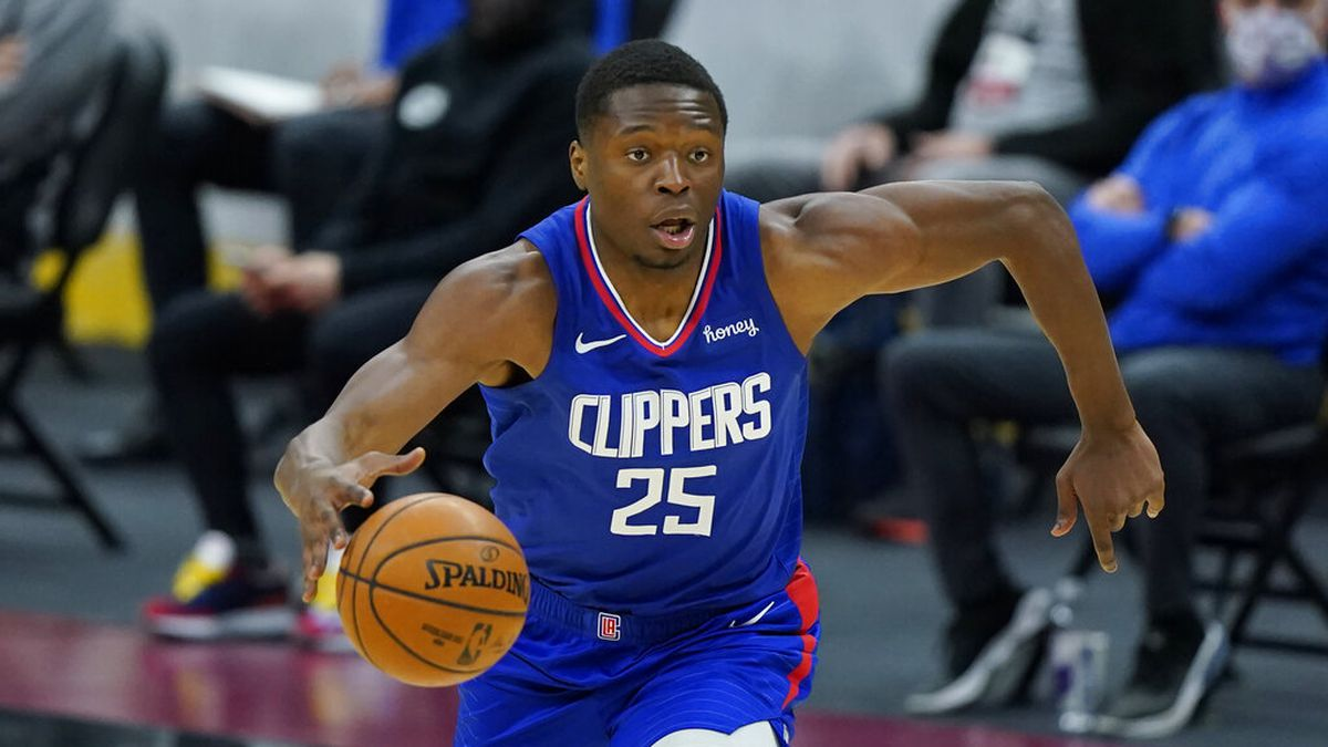 Los Angeles Clippers' Mfiondu Kabengele drives in the second half of an NBA basketball game...