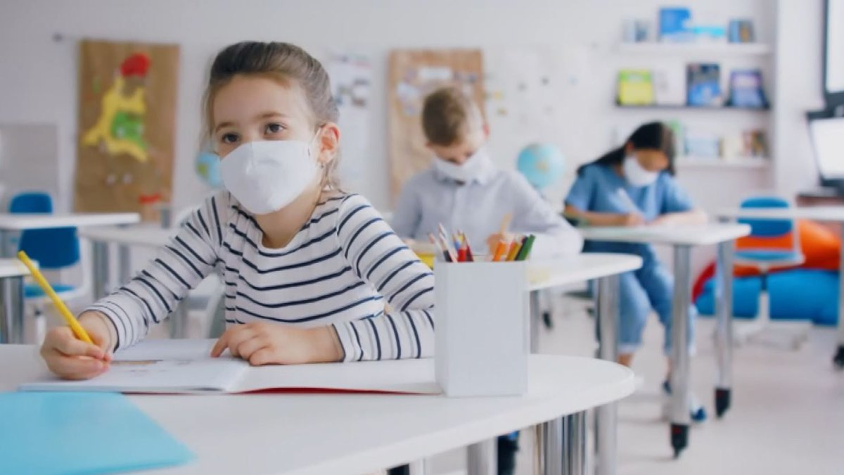 Kids and masks in school