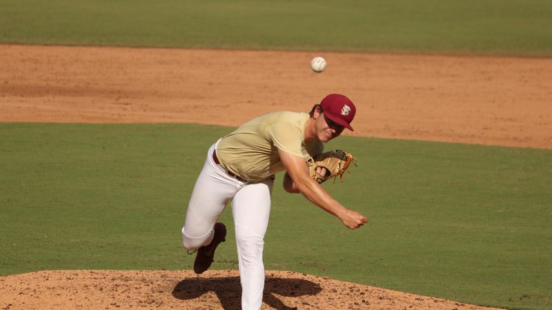 The Florida State baseball team practices in the fall of 2020.