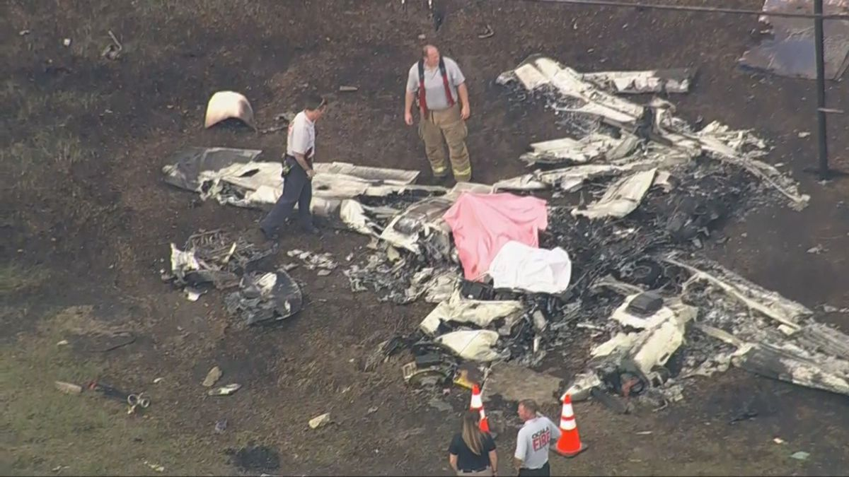 Ocala Police says a plane crash has shut down all north and southbound traffic on the area of SW College RD and SR 200 near Cheddar's and Market Street at Heathbrook. (Photo via CBS News)