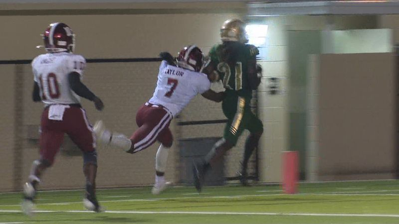 Lincoln High School celebrated homecoming at Gene Cox Stadium against Chiles with a 33-6 victory.