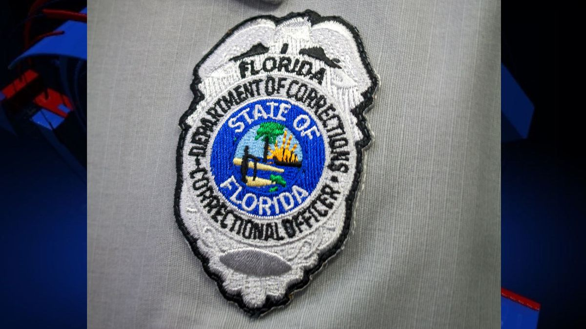 A Florida Department of Corrections correctional officer has died following a battle with COVID-19.