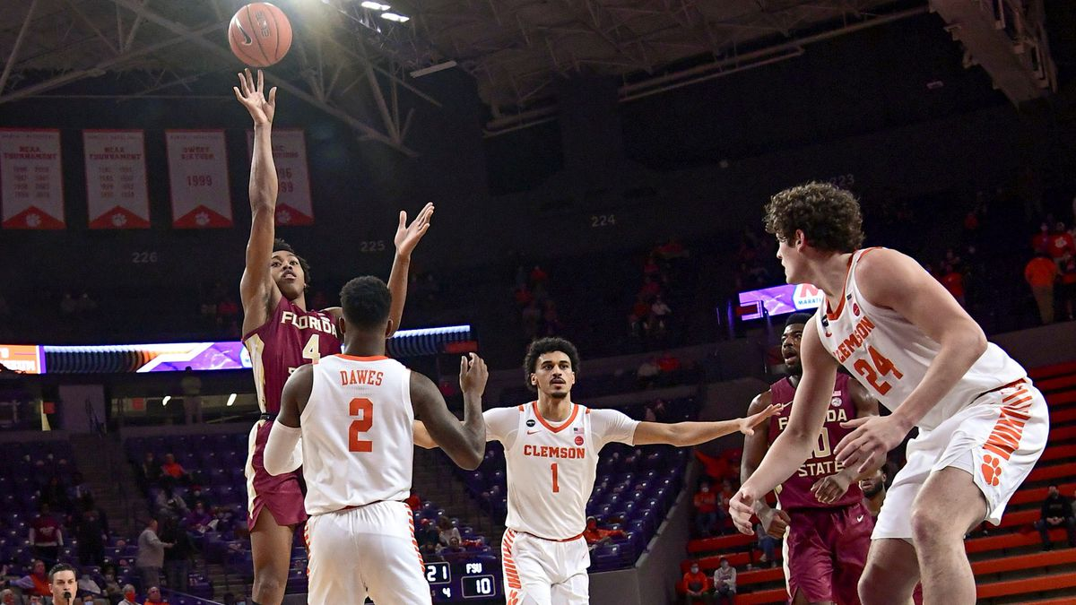 Florida State's Scottie Barnes floats a shot during the Seminoles' loss to Clemson.
