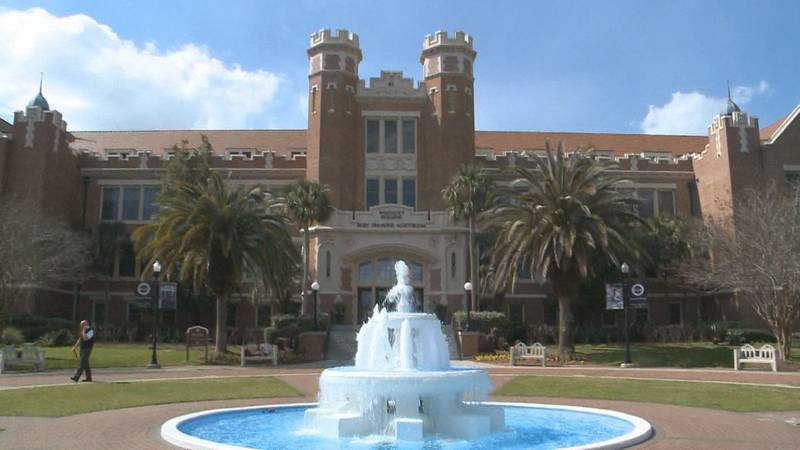 FILE PHOTO: Westcott building and fountain