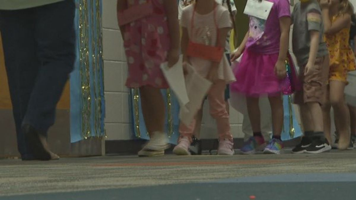 Suwannee County Schools welcomed students in the building for the first day since last spring on Monday.