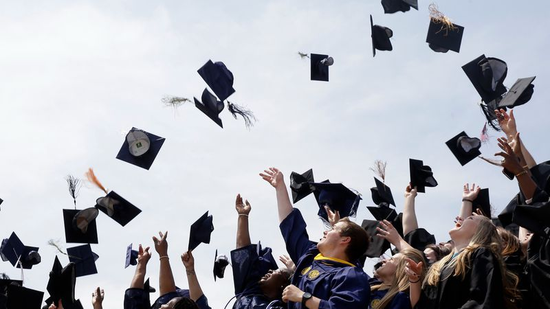 A recent University of Washington graduate is making waves on social media, inspiring others to...