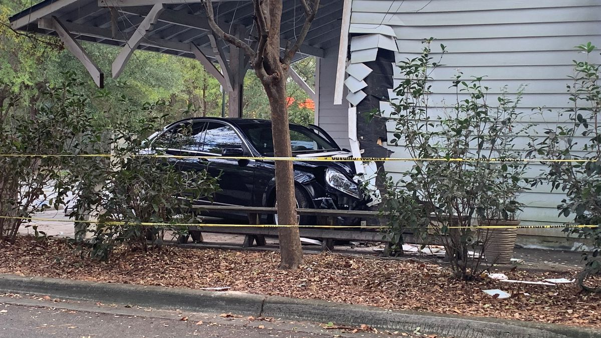 A vehicle crashed into the Seineyard restaurant Friday afternoon.