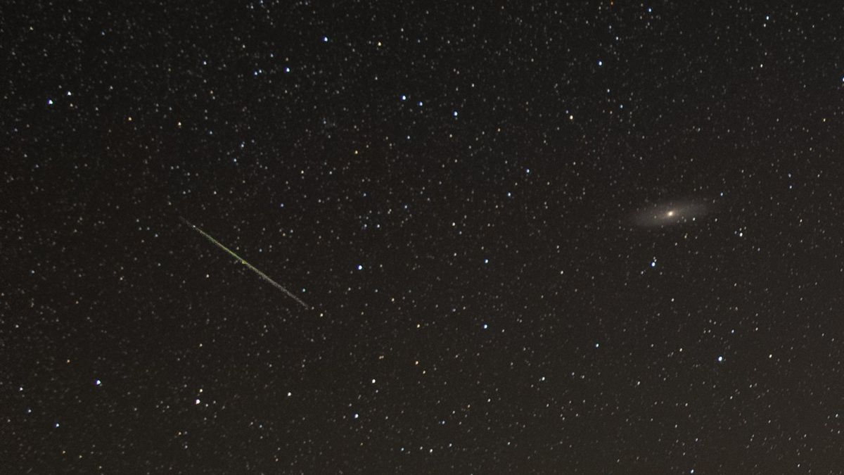 Perseid meteor and the Andromeda galaxy