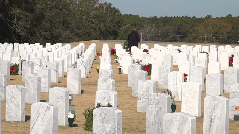 Volunteers laid close to 2000 wreaths between Tallahassee National Cemetery and Oakland...