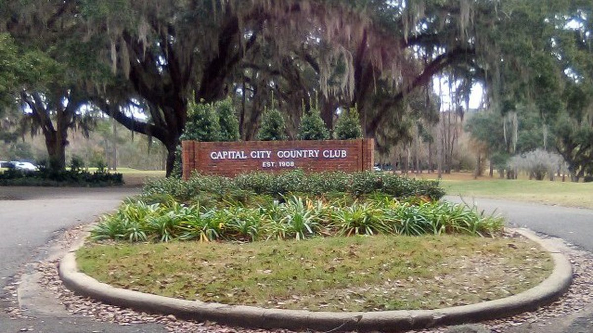 Sign at the Capital City Country Club.
