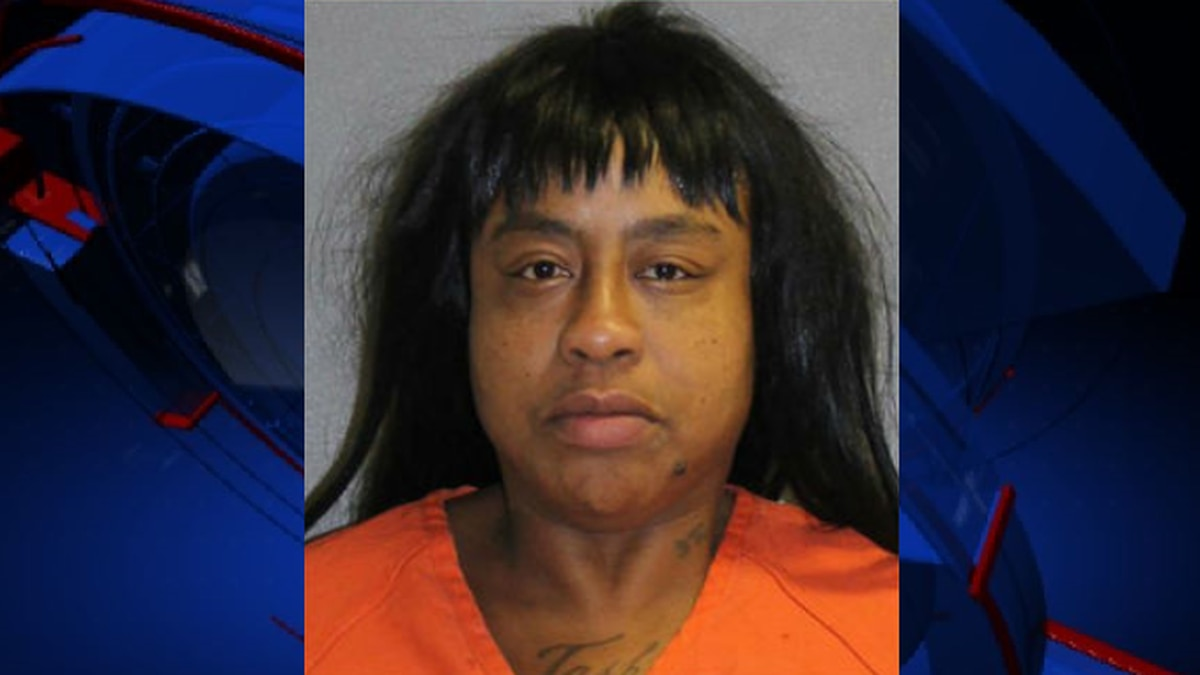 Florida woman arrested for giving nude photos of ex