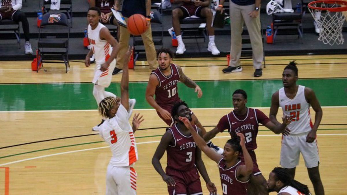 MJ Randolph puts up a shot in Florida A&M's 70-68 win over South Carolina State.