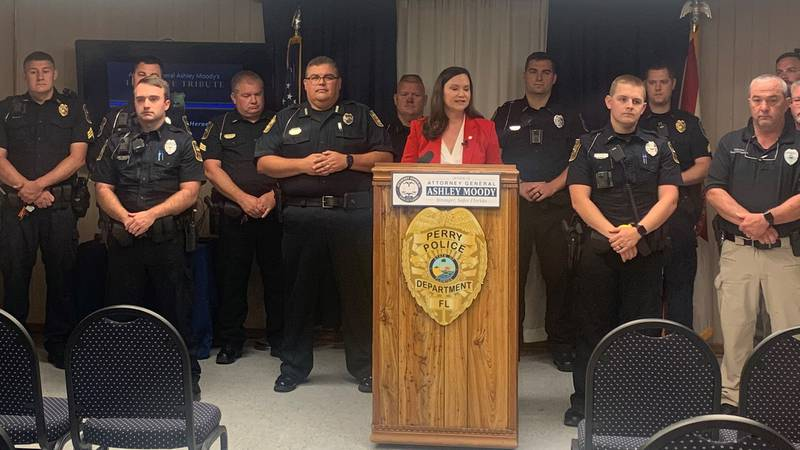 Saying thank you to real-life heroes: Attorney General Ashley Moody recognized police officers...